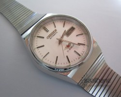 citizen 8200